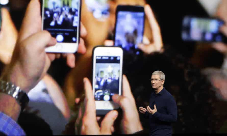 Tim Cook announcing the new iPhone 7 in 2016.