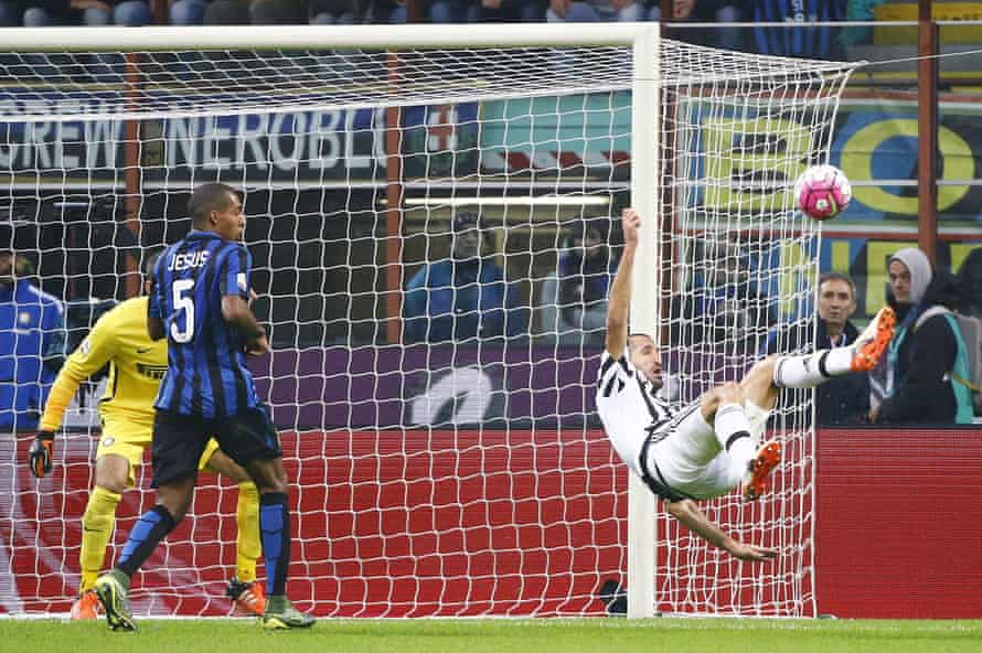 Giorgio Chiellini has an acrobatic attempt at goal for Juventus in the 0-0 draw against Inter.