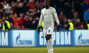 Romelu Lukaku of Manchester United cut a dejected figure after his side conceded close to the final whistle.