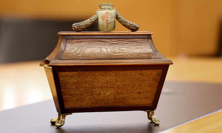 The wooden box with the cross of the Order of St James – to which Calderón belonged – contains a key to the casket holding his remains.