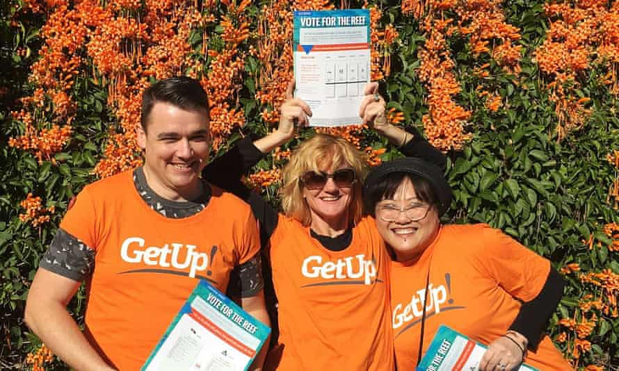 GetUp volunteers posing for a photo during the 2019 election campaign