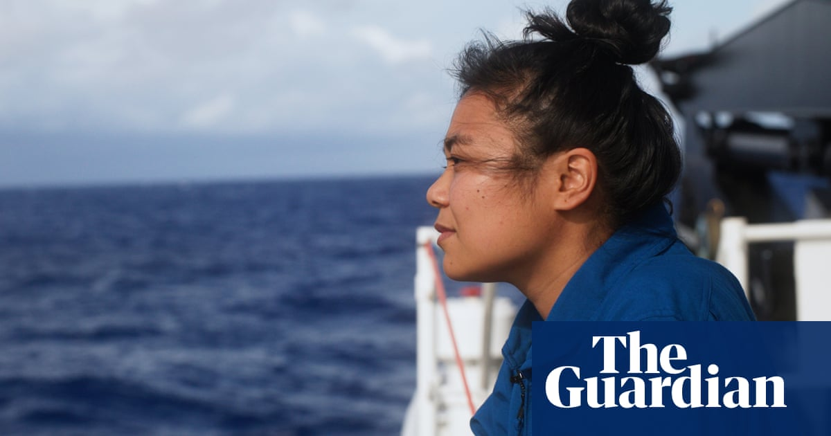 Micronesian scientist becomes first Pacific Islander to reach ocean
