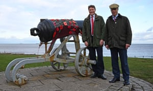 Nigel Farage and the Brexit party chairman, Richard Tice, pose for a picture in Hartlepool