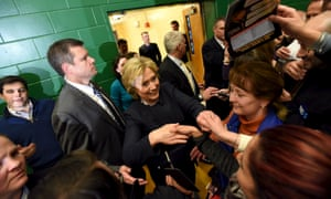 U.S. Democratic presidential candidate Hillary Clinton shakes hands with supporters at the Hillside town hall meeting in Manchester, New Hampshire January 22, 2016. REUTERS/Faith Ninivaggi