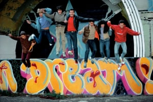 Duro, Doze, Mare 139, Shy 147, Daze, Lady Pink and crash jumping off the East River Park amphitheater, Manhattan, 1981