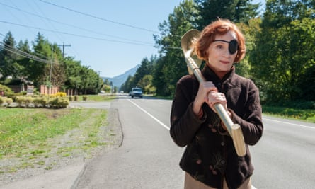 Nadine is inspired by Dr Amp to shovel herself out of the shit … Twin Peaks.