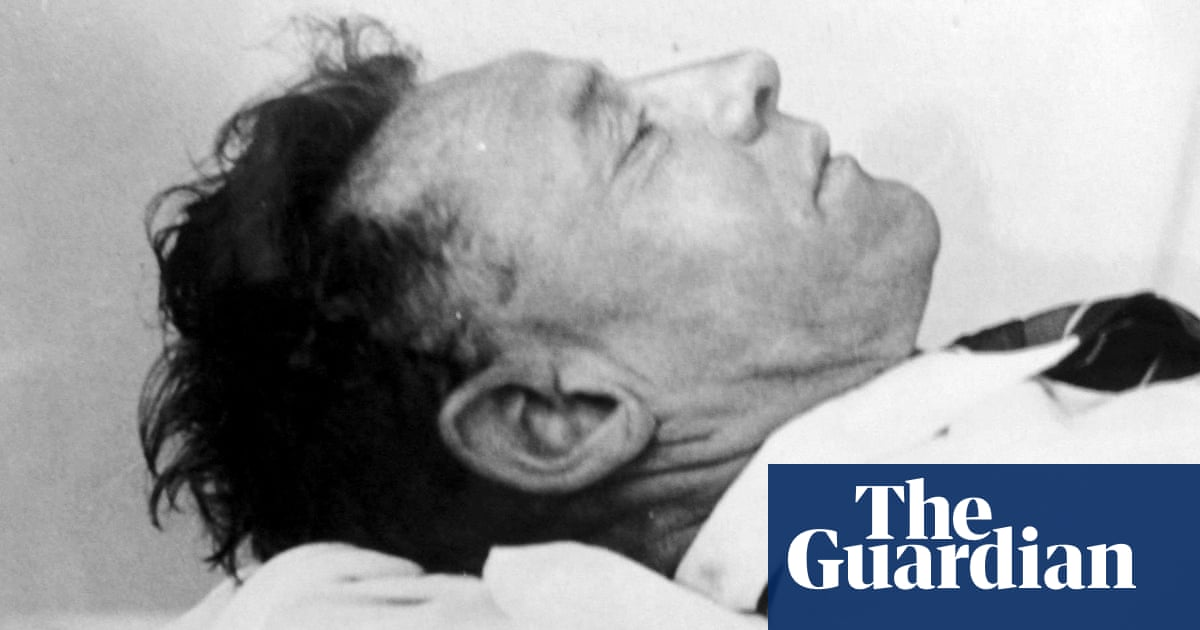 Remains of mystery Somerton man to be exhumed 70 years after his death