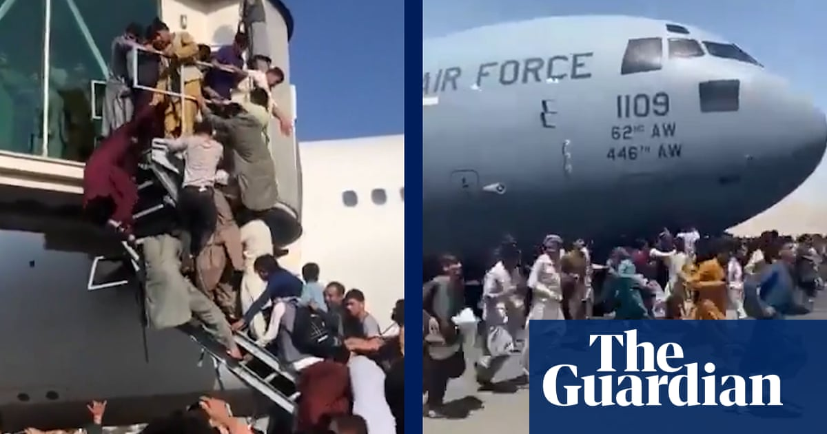 'The world abandoned us': desperate Afghans try to escape Taliban – video report