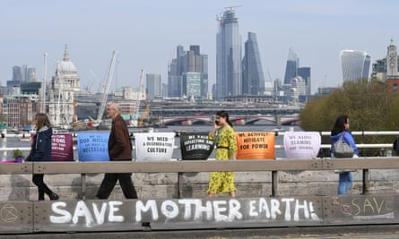 Getting the message across on Waterloo Bridge