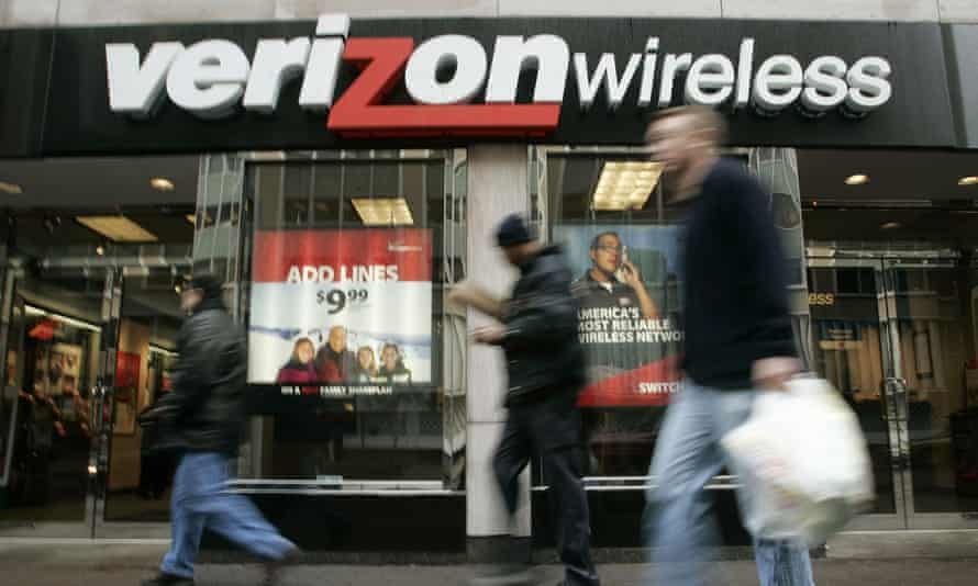 In documents given to managers and employees, Verizon encourages its staff to use anti-union rhetoric and disparages previous efforts within the company.