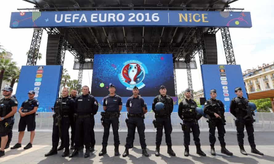 Gendarmes and police on guard in Nice