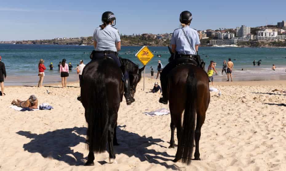 Mounted police patrol Bondi Beach