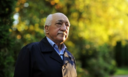 Fethullah Gülen at his residence in Saylorsburg. Residents agree that the hospitality Gülen offers is a defining feature of Hizmet's presence in the town.