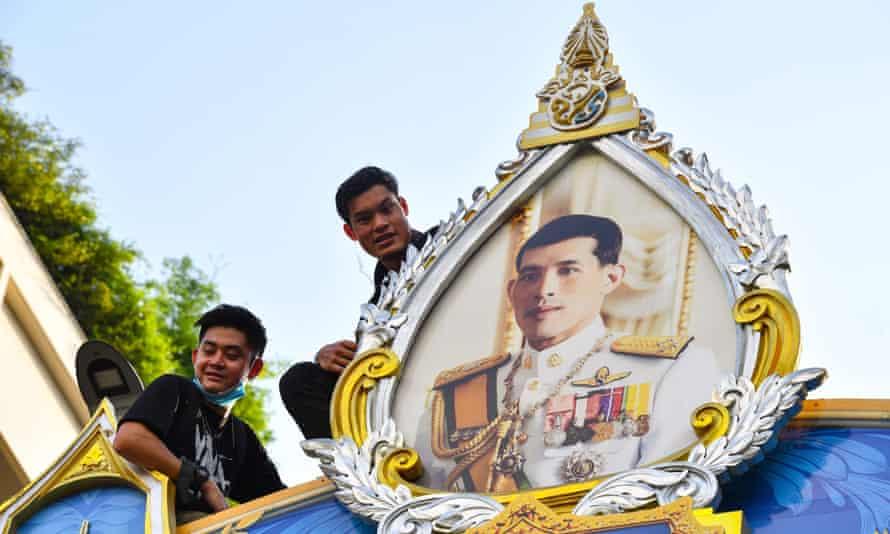 Royalists mounted counterprotests in support of King Maha Vajiralongkorn