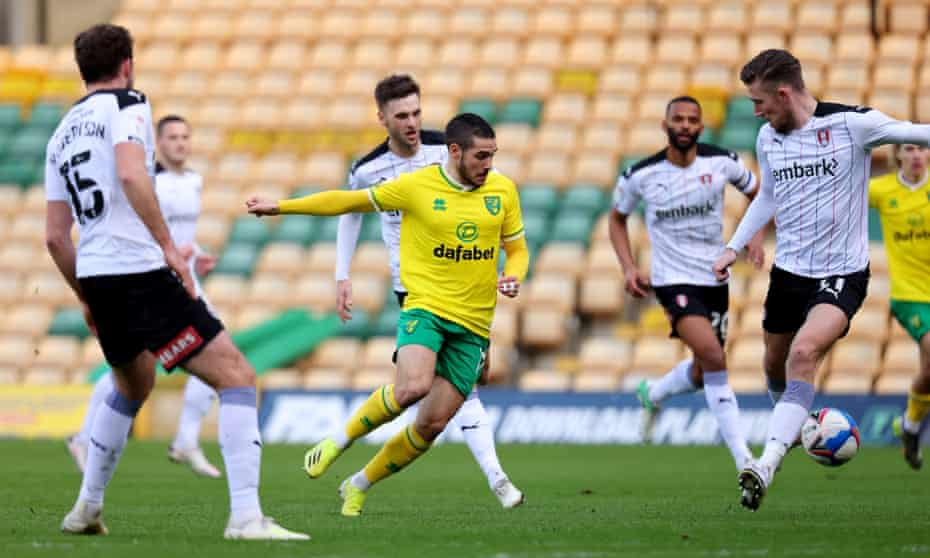 Emi Buendía causes problems for Rotherham's defence