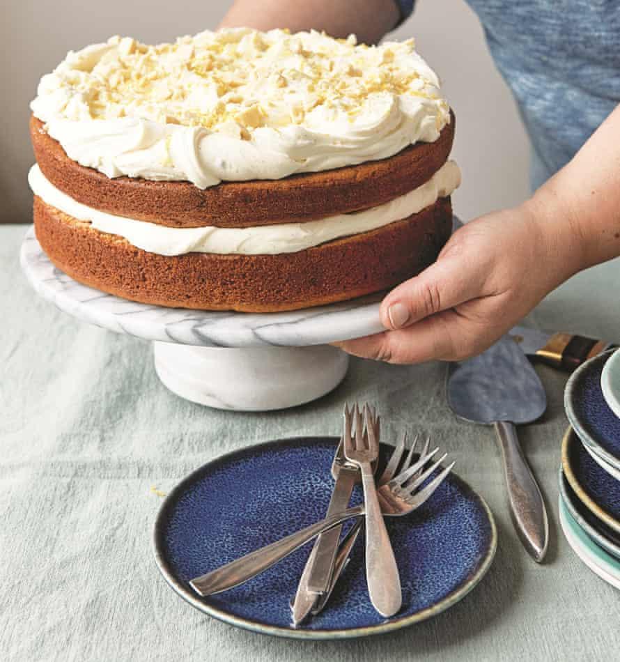Tahini cake with lemon and white chocolate.