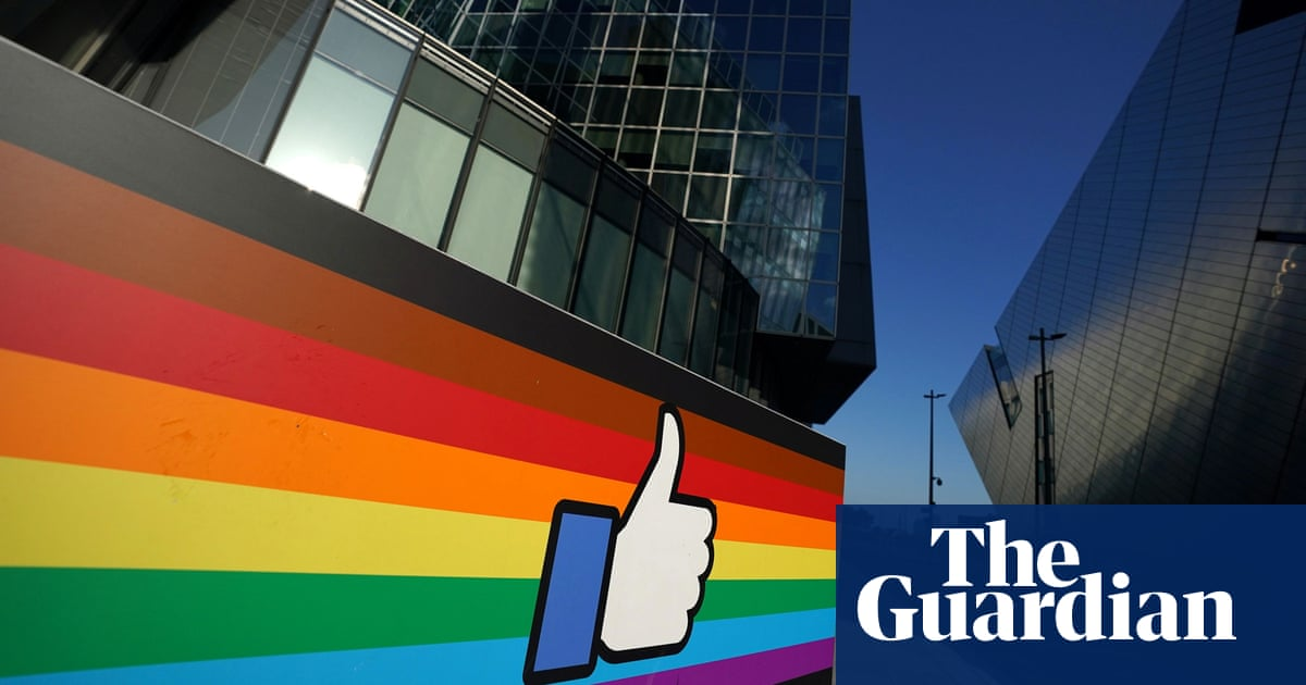 Facebook moderators forced to work in Dublin office despite high-tier lockdown