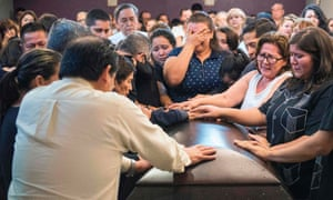 Sinaloa said farewell to Javier Valdez, 50, on Tuesday, with hundreds of mourners spilling out the back door of the chapel in a Culiacán funeral home.