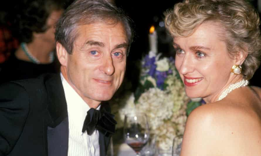 Harold Evans with Brown in 1989.