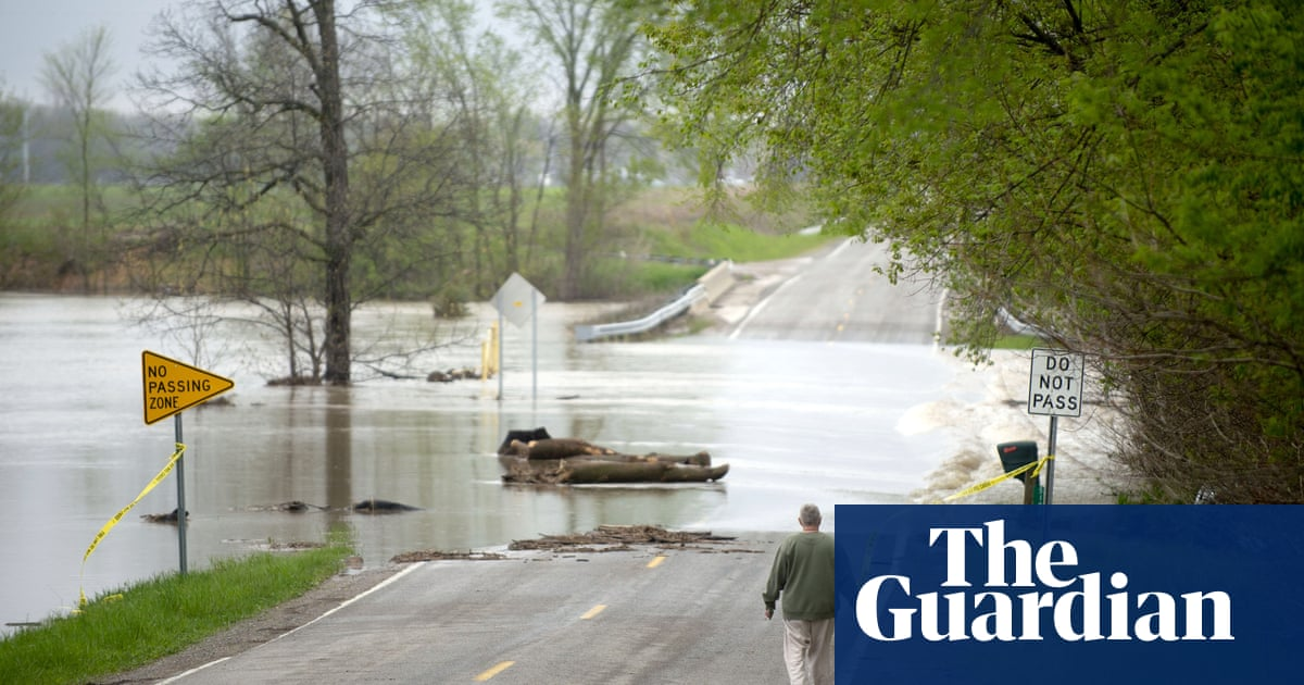 Michigan: thousands evacuated after