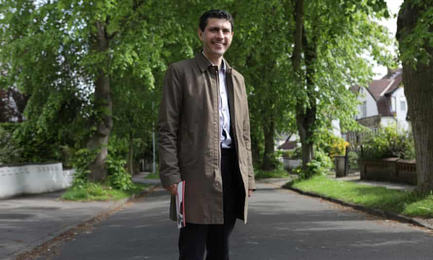 Alex Sobel campaigning in Headingley, Leeds.