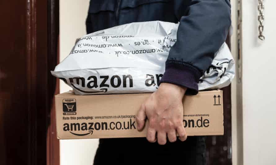 Delivery of Amazon parcels.