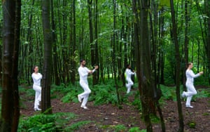 In Plain Site This dance work took some of the US choreographer Trisha Brown's most striking short pieces and set them among the enchanting landscape of Jupiter Artland near Edinburgh.