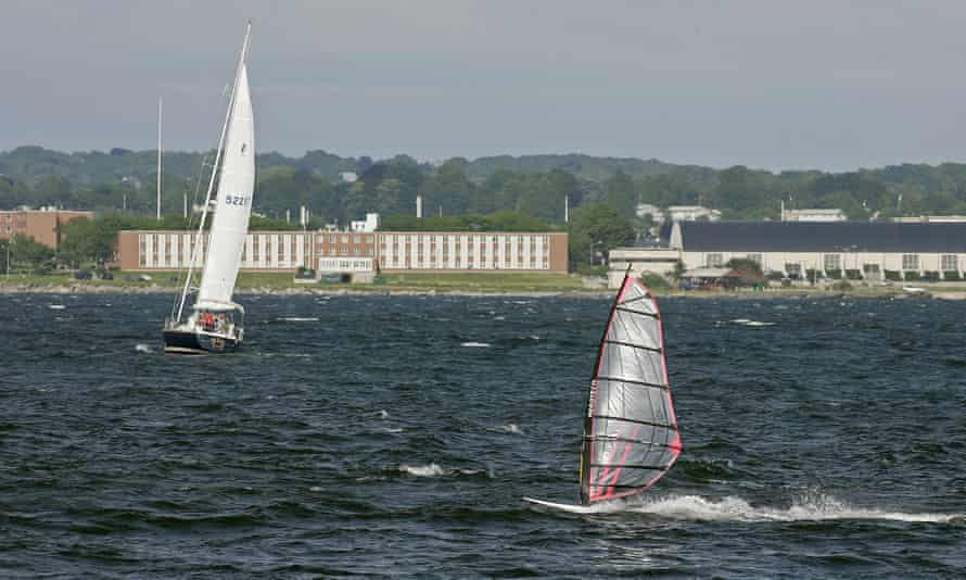 The scientists were expected to discuss in Providence on Monday a report on the health of Narragansett Bay, New England's largest estuary.