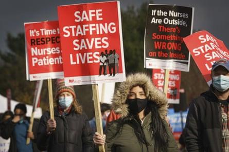 Nurses protest outside St Mary medical center in Langhorne, Pennsylvania, on 17 November.