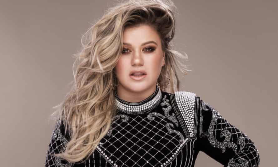 Classy … Kelly Clarkson.