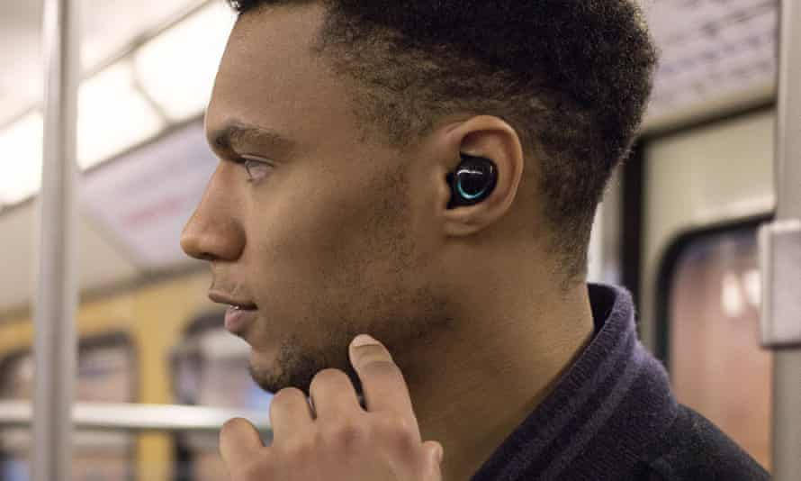 The Bragi Dash Pro wireless earbuds put AI in your ear with motion commands, smart controls and Babel Fish-like translation via the iTranslate app.