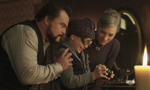 Jack Black, Owen Vaccaro and Cate Blanchett in The House With a Clock in Its Walls.