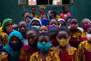 Children wearing face masks at a school in Ogbomoso, Nigeria