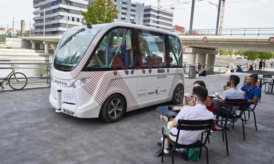 A driverless minibus in Lyon.
