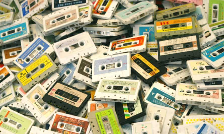 Cassette ... being wound up?