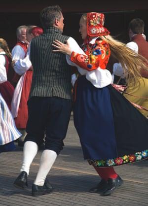 Skansen - midsummer dance