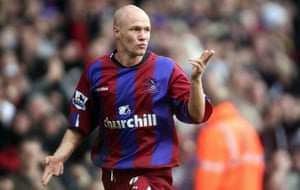 Andy Johnson playing for Palace in 2004.