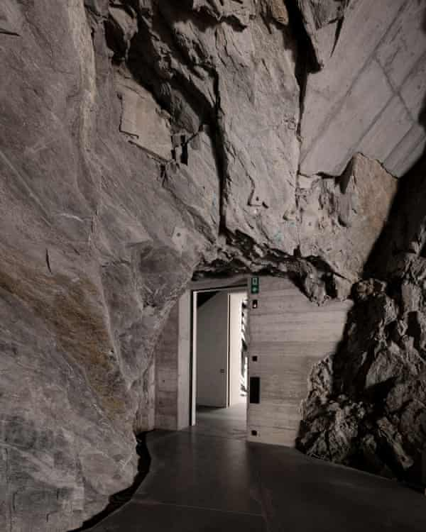 Voellmy Schmidlin Architektur turned a disused monastery into a gallery.