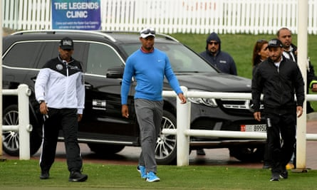 Tiger Woods paid a short visit to the course before pulling out of the Dubai Desert Classic.