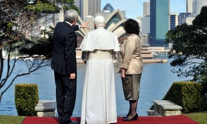 (L-R:) Australian Prime Minister Kevin Rudd points toward the Opera House as Pope Benedict XVI and Therese Rein look on at Admiralty House in Sydney on Thursday, July 17, 2008. The Pontiff is currently in Australia for World Youth Day runs until July 20. (AAP Image/POOL/Paul Miller)