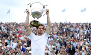 Andy Murray defeated Milos Raonic to win the Aegon Championships and claim a record fifth title at Queen's Club.