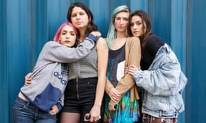 los angeles indie band warpaint pose for a photo