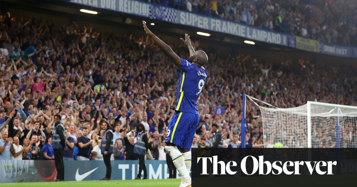 Romelu Lukaku's double downs Aston Villa and keeps Chelsea flying high