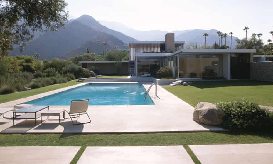 The exterior of the Kaufmann Desert House, built in 1946 to the designs of Richard Neutra.