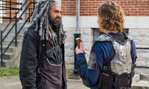 King Ezekiel's court and Savior thugs have a Mexican standoff.