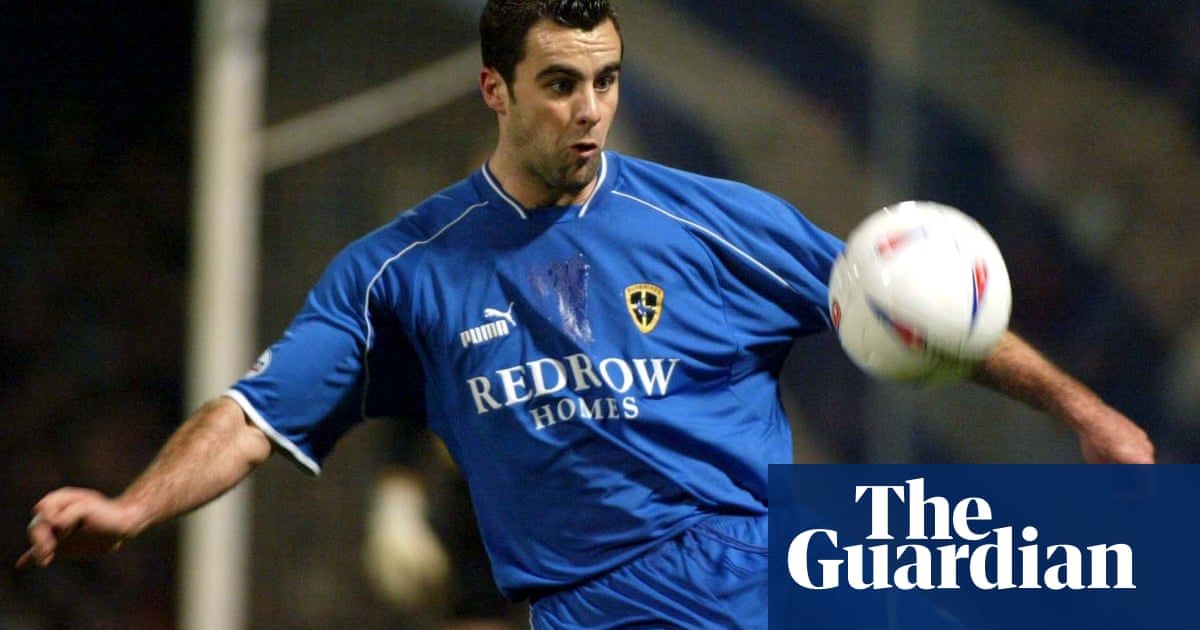Chris Barker, former Cardiff and Barnsley defender, dies aged 39