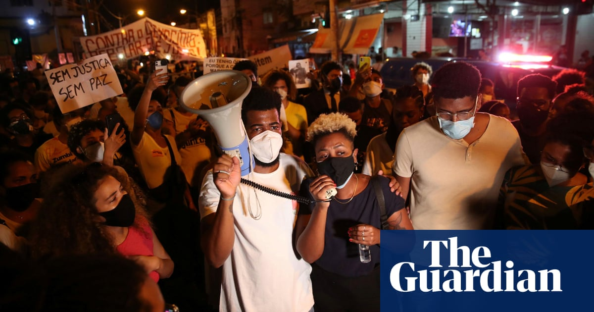 'Makes you sick': fury in Rio as pregnant 24-year-old killed amid police raid