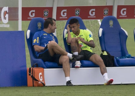 Dunga talks with Neymar after training in Teresopolis.