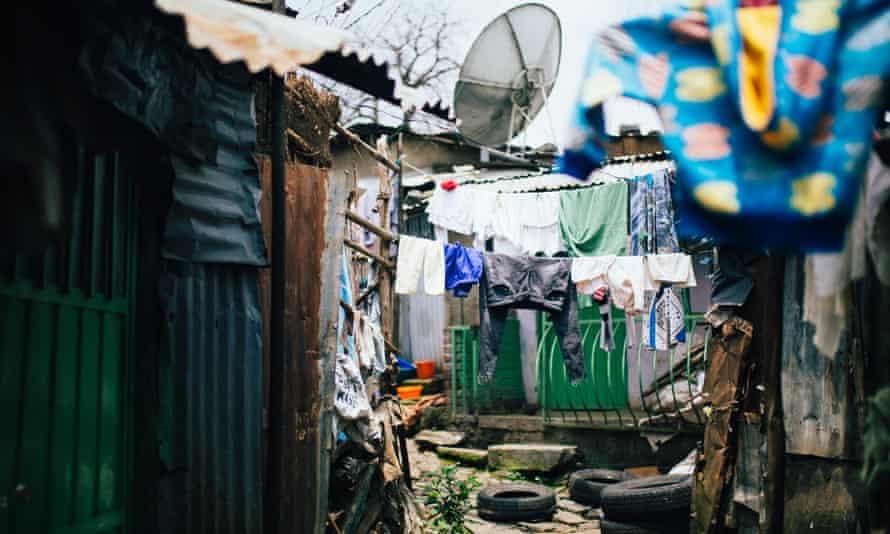 A narrow lane in the Piassa slum.