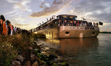 The prospect of Ocean Diva getting a central London berth has outraged some local residents.